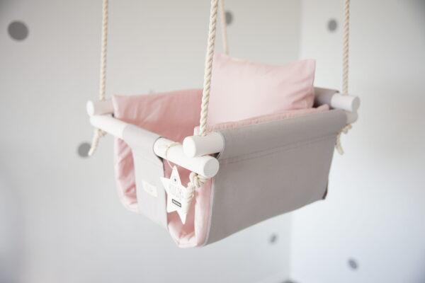 [:et]Hall tähepüüdja puuderroosa beebisisuga [:en]Grey Starcatcher with powder pink pillow and cushion[:]